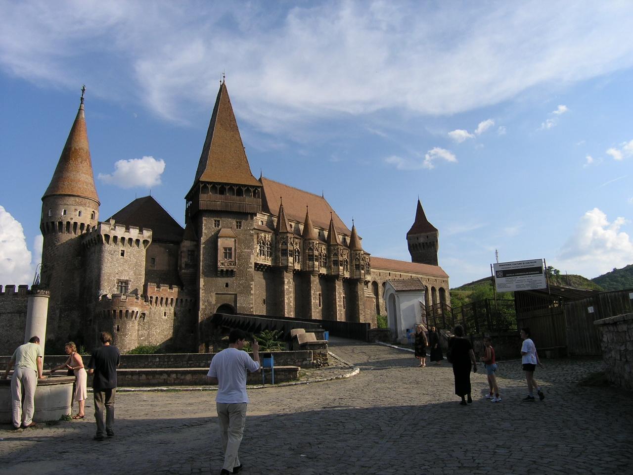 castel Corvin hunedoara