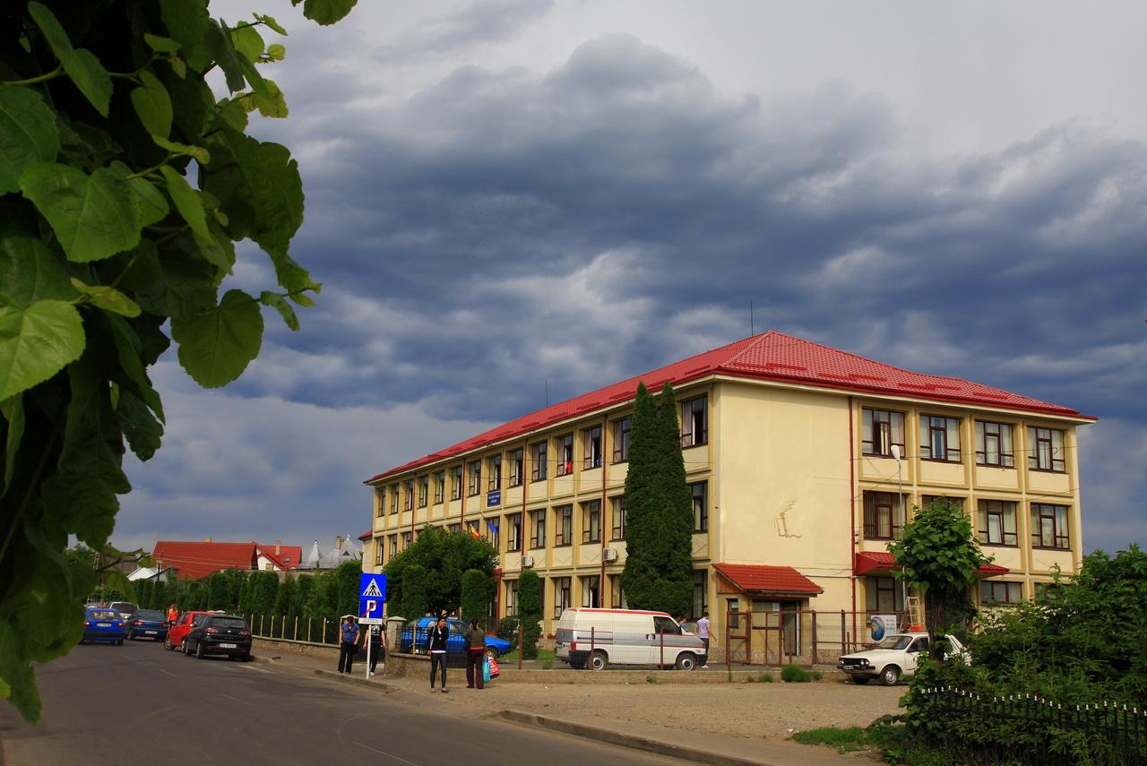 liceul1_2
