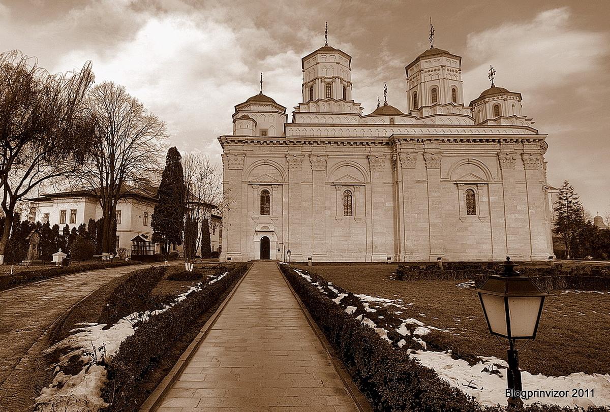 manastirea_golia_resize