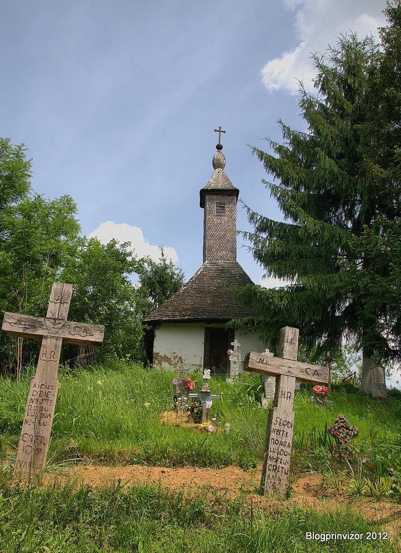 biserica_povergina_3_resize1