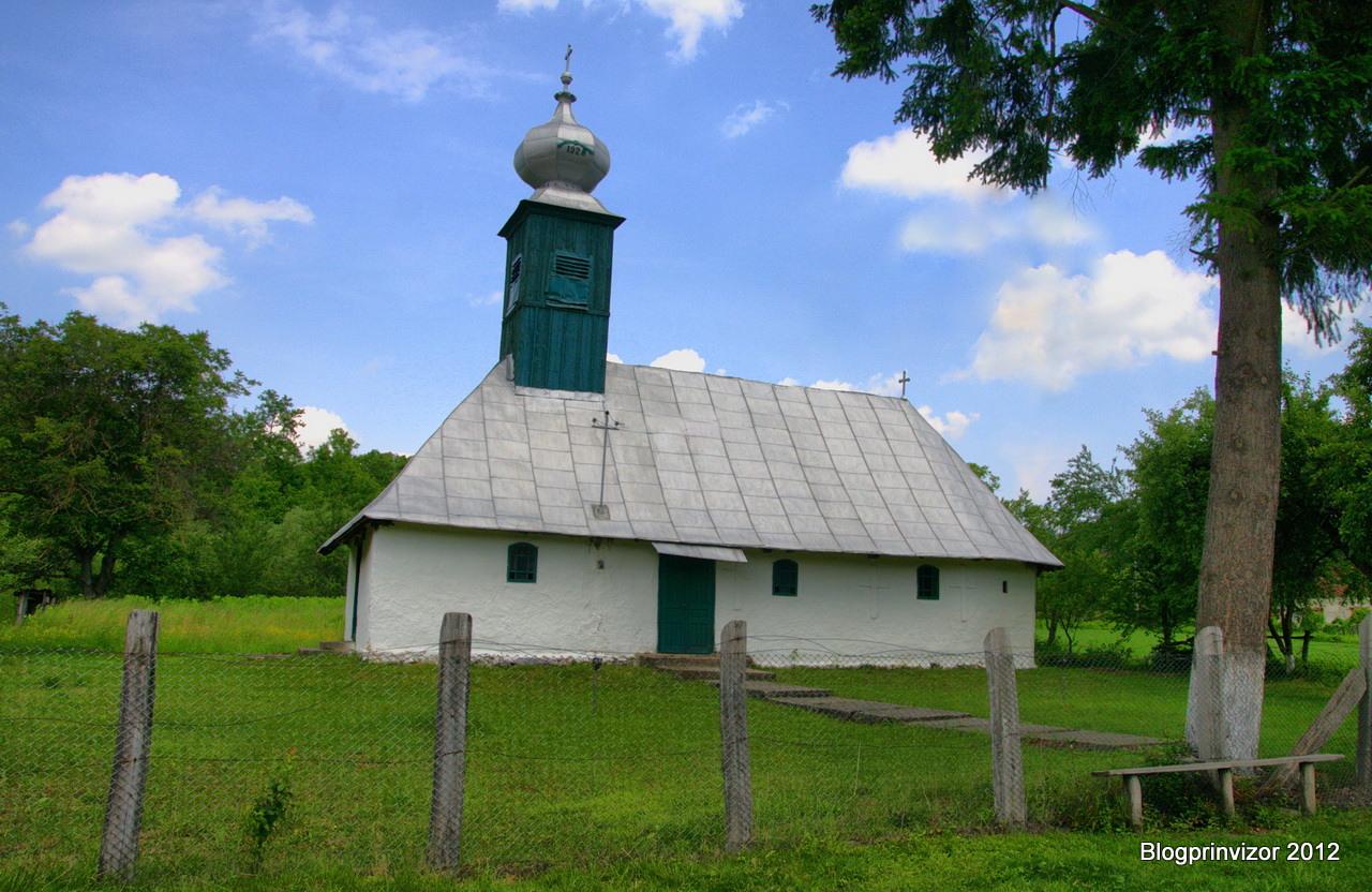 Biserica de lemn din Groși