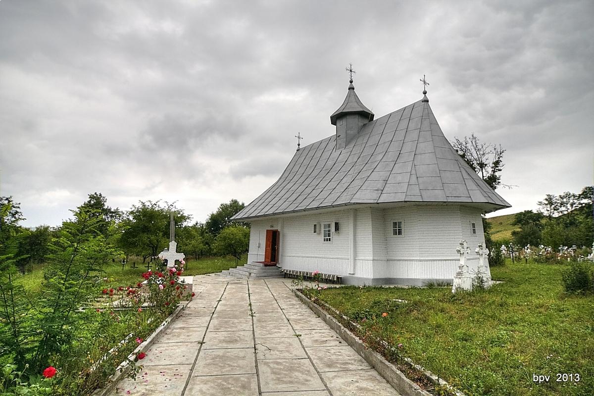 biserica_dumbrava_gaureni