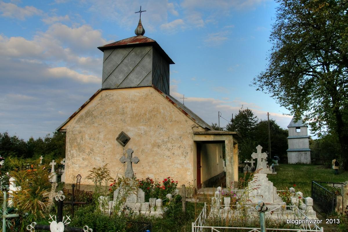 biserica_Critinesti_cimitir