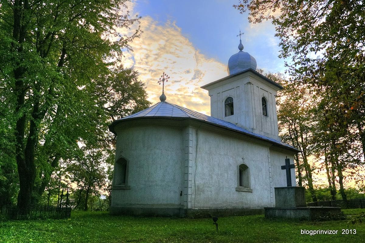 biserica_cristinesti_sat2