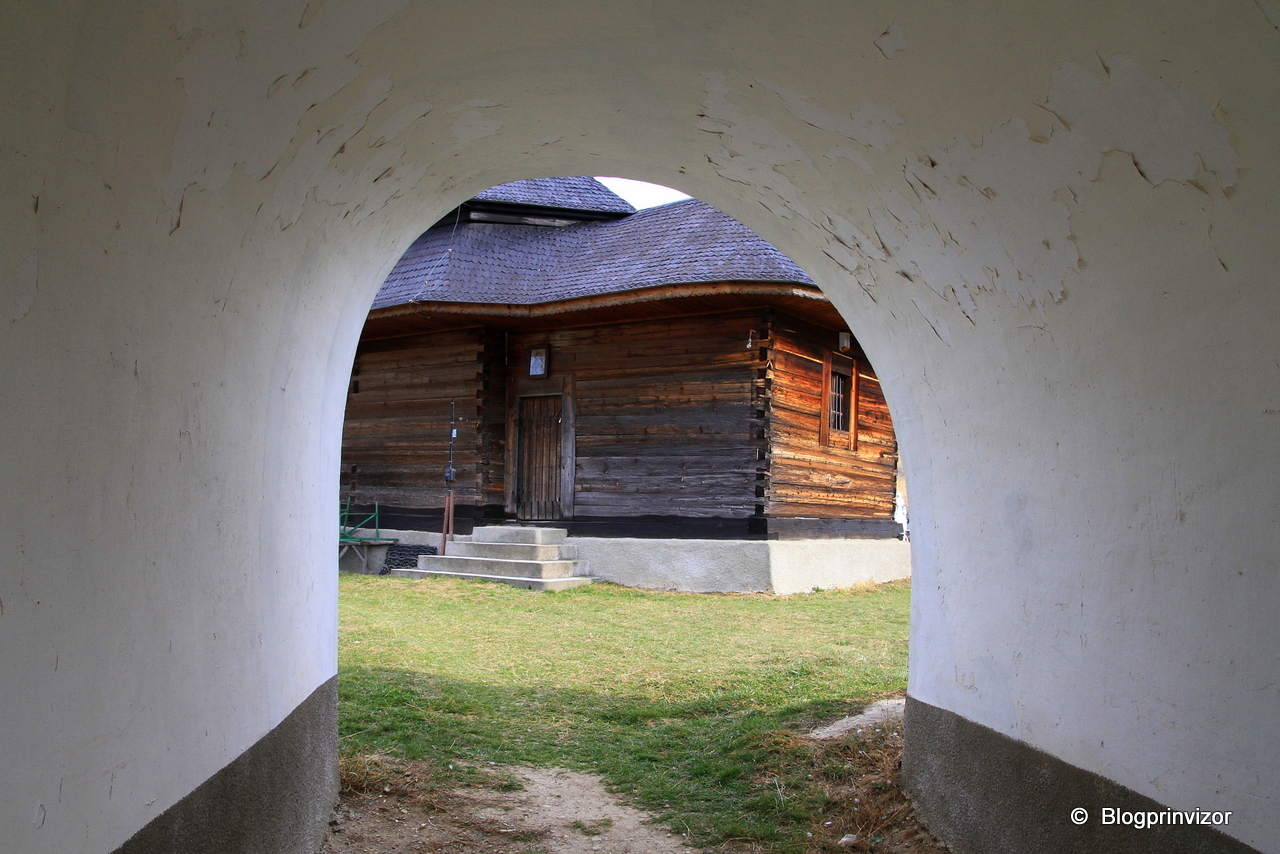 biserica_ceahlau_3